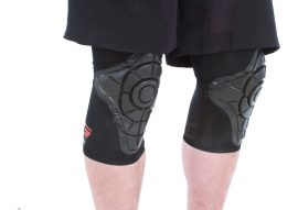 Gform_Black_Kneepads